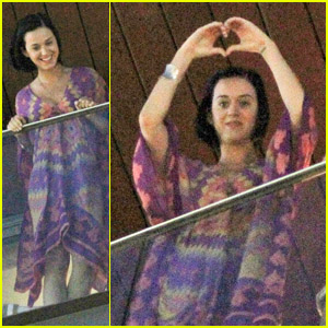 Katy Perry: 'So Happy to be Back in Brazil!'