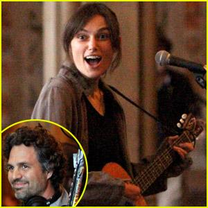 Keira Knightley: Guitar 'Song'!