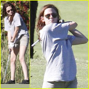 Kristen Stewart: Golfing Gal!