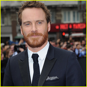 http://cdn01.cdn.justjared.com/wp-content/uploads/headlines/2012/07/michael-fassbender-to-star-in-assassins-creed.jpg
