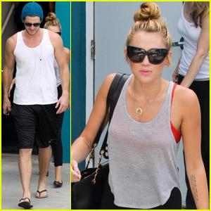 Miley Cyrus & Liam Hemsworth: Pilates Pair!