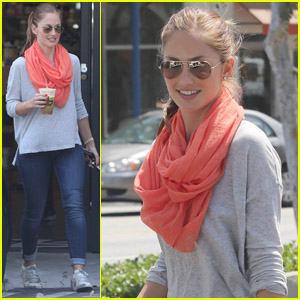 Minka Kelly: Green Smoothie Gal