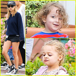 Nicole Richie: Family Fourth of July Breakfast!