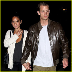 Olivia Munn & Joel Kinnaman: Holding Hands at the Movies!