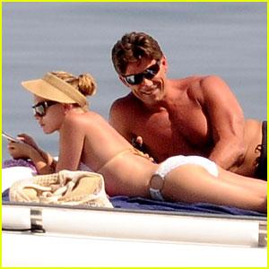 Bikini-Clad Scarlett Johansson: $20 Million for Avengers 2?