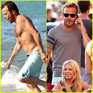 Shirtless Stephen Dorff Vacations with Pal Tara Reid