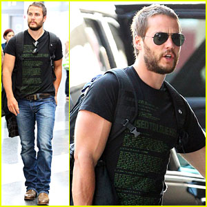Taylor Kitsch: Growing Beard for 'Lone Survivor'!