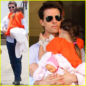 Tom Cruise & Suri Head To Their Helicopter!