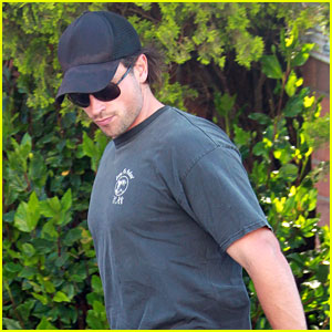 Tom Welling: West Hollywood Walk!