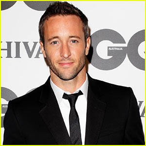 Alex O'Loughlin Expecting Baby with Girlfriend Malia Jones!