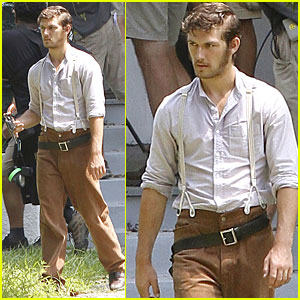 Alex Pettyfer: 'Butler' Set with Vanessa Redgrave!
