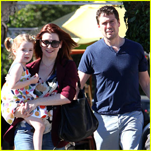 Alyson Hannigan: A Votre Sante Dinner with the Family!