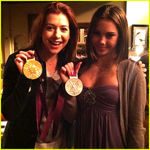 Alyson Hannigan: McKayla Maroney Visits 'How I Met Your Mother' Set