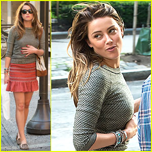 Amber Heard: Brotherly Love in the Air!