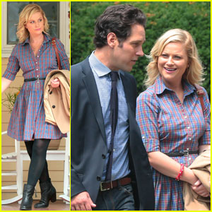 Amy Poehler 'They Came Together' Set with Paul Rudd!