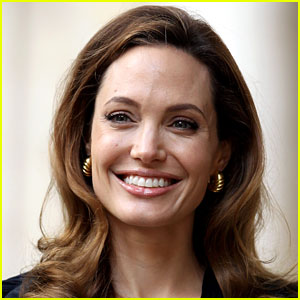 Angelina Jolie: World Humanitarian Day Message!