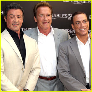 Schwarzenegger, Stallone, & Van Damme: 'Expendables 2' Paris Photo Call!
