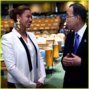 Beyonce Visits the U.N. to Support World Humanitarian Day!