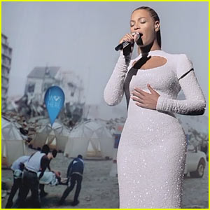 Beyonce's World Humanitarian Day Performance - Watch Now!