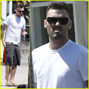 Brian Austin Green: Le Pain Quotidien with Megan Fox!