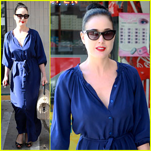 Dita Von Teese: New Vintage Car!