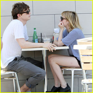 Emma Roberts & Evan Peters: Cute Coffee Couple!