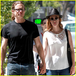 January Jones: Holding Hands with Noah Miller!