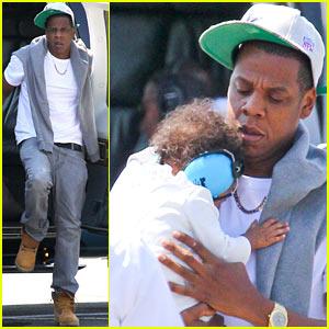 Jay-Z & Blue Ivy Carter Chopper Into the Big Apple!