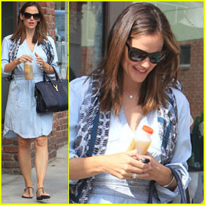 Jennifer Garner: Saturday Shopping with Violet!
