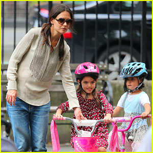 Katie Holmes: Bleecker Playground with Suri!