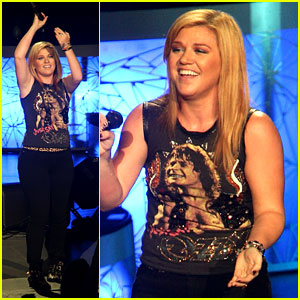 Kelly Clarkson: Florence + the Machine's 'Shake It Out' Cover!