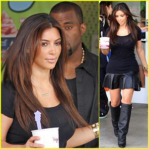 Kim Kardashian & Kanye West: Yogurtland Twosome!