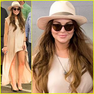 Lindsay Lohan: Santa Monica Shopper!