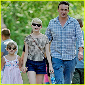 Michelle Williams & Jason Segel:  Bronx Zoo with Matilda!