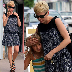 Michelle Williams: Glasses Shopping with Matilda!
