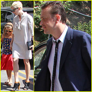 Michelle Williams & Jason Segel: Magic Castle with Matilda!