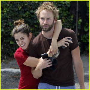Nikki Reed & Paul McDonald: Weekend Workout!