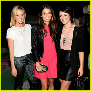 Nikki Reed & Shenae Grimes: Pink Ladies Fight Breast Cancer!