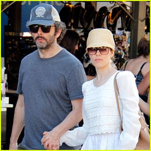 Rachel McAdams & Michael Sheen Hold Hands at the Grove