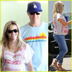 Reese Witherspoon: Baby Check-Up with Jim Toth!