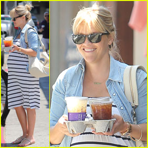 Reese Witherspoon: Coffee Bean Baby Bump
