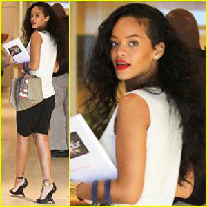 Rihanna: Robert Pattinson Likes 'We Found Love' Video!