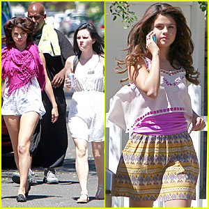 Selena Gomez:  'Feed the Dog' Water Break!
