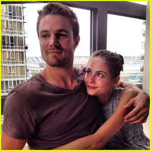 Stephen Amell: 'Monday Bonding' with Willa Holland!