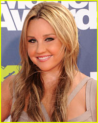Find Out What Amanda Bynes Was Caught Doing in Her Car
