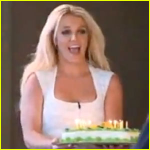 Britney Spears Sings 'Happy Birthday' on 'The X Factor'