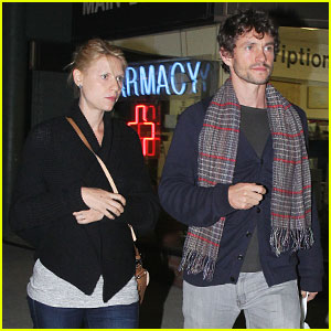 Claire Danes & Hugh Dancy: Mykonos Restaurant Couple