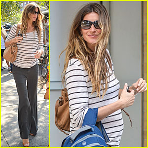 Gisele Bundchen: Baby Bump At Bar Pitti!