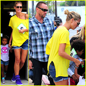 Heidi Klum & Martin Kirsten: Chuck E. Cheese with the Kids!
