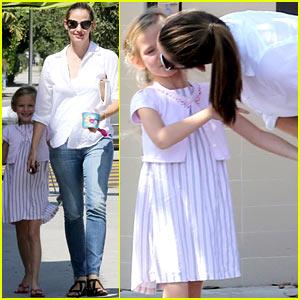 Jennifer Garner: Kisses for Violet!